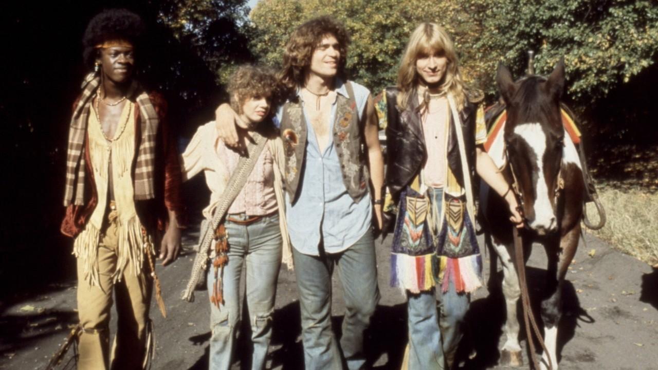 Появившееся в 70-ых гг.20 века движение хиппи