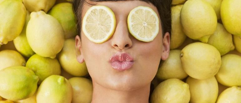 Отбеливающая маска из кефира, лимонного сока и петрушки