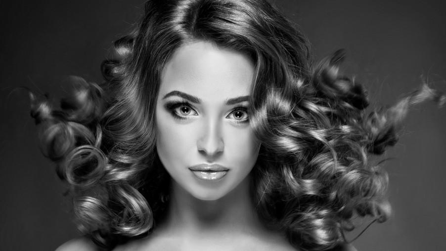 Прическа с лаком на волосах
