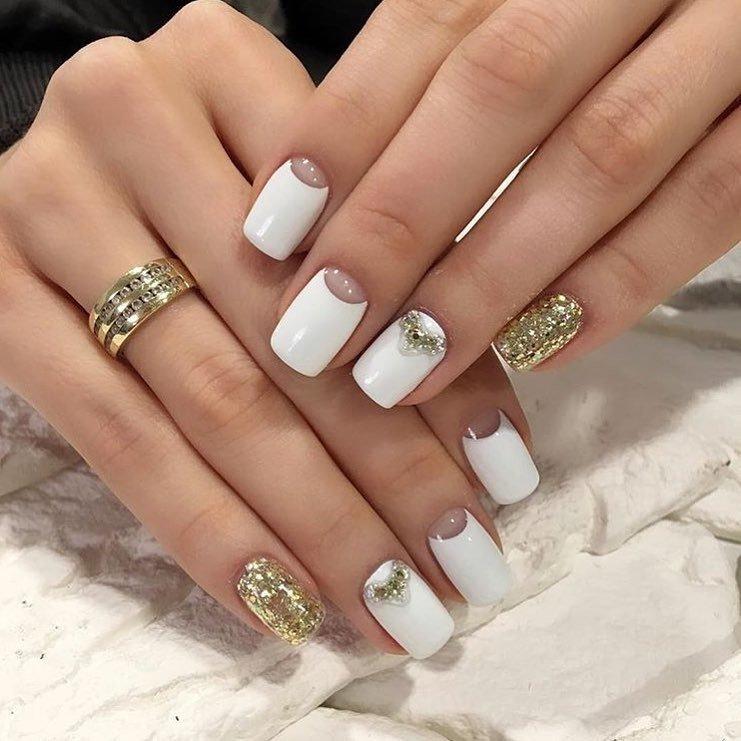 Белый с золотом – что может быть эффектнее для большого праздника