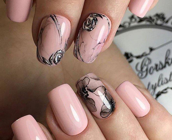 Дизайн ногтей в стиле гранита