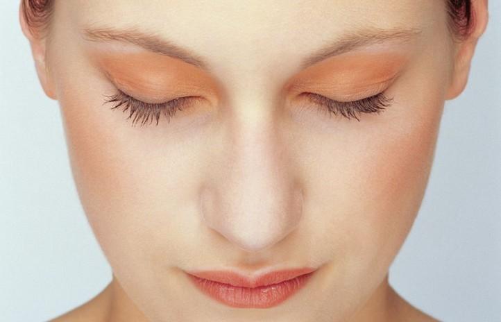 Как боротся с расширением пор на лице