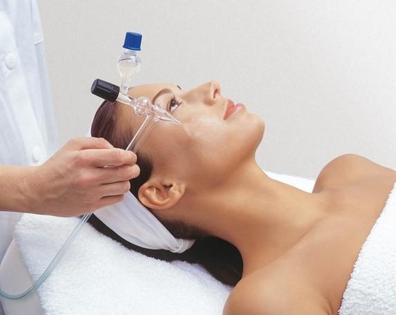 Метод используют для лечения угревой сыпи