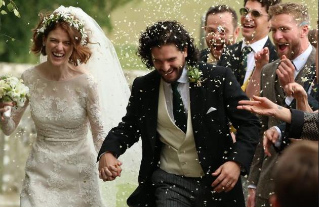 Отмечают кожанную свадьбу