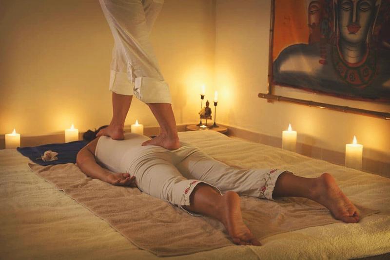 Кому подходит массаж ногами