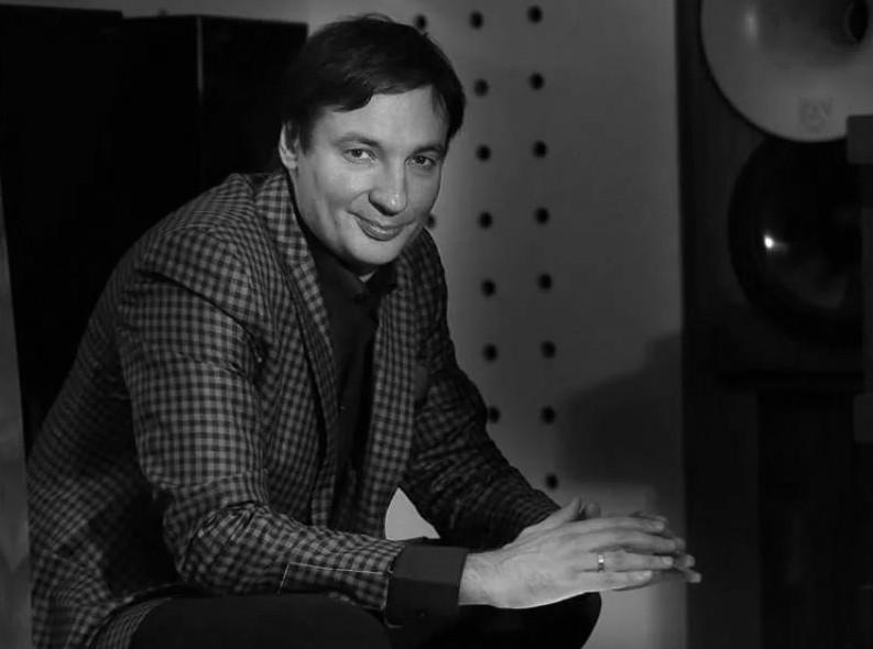 Писатель Павел Санаев