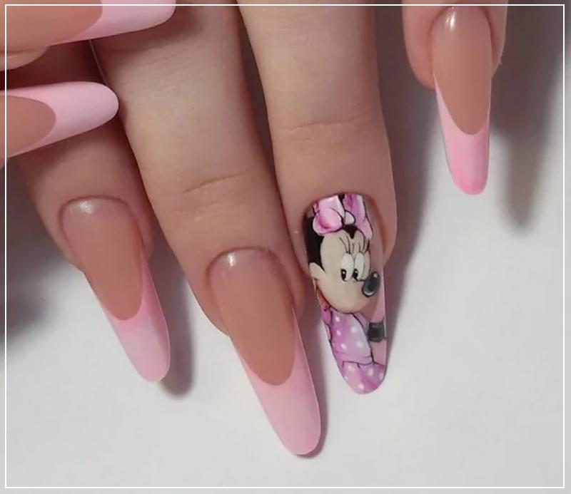 Розовый френч маникюр с Минни Маусом