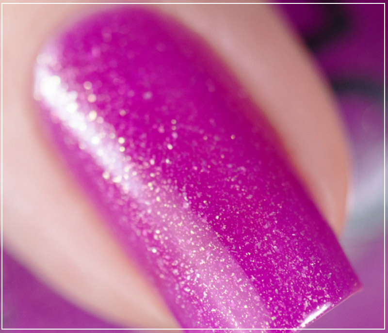 Маникюр фиолетовым лаком
