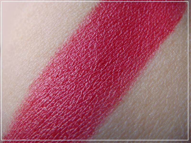 Обзор помады Pupa I'm Lipstick 001