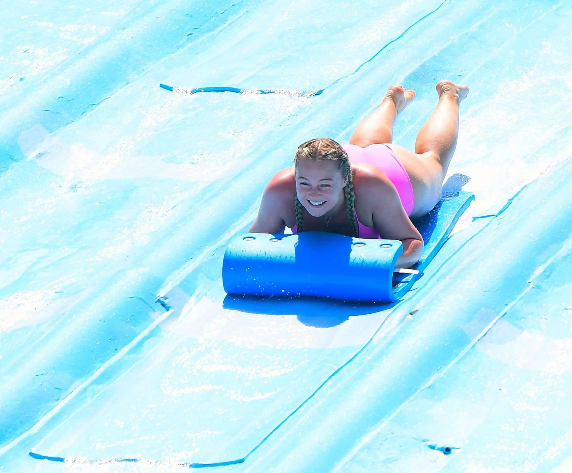 Искра Лоуренс фото в купальнике