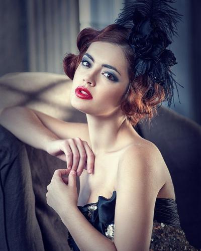 Деликатный макияж, напоминающий стилистику 20-х