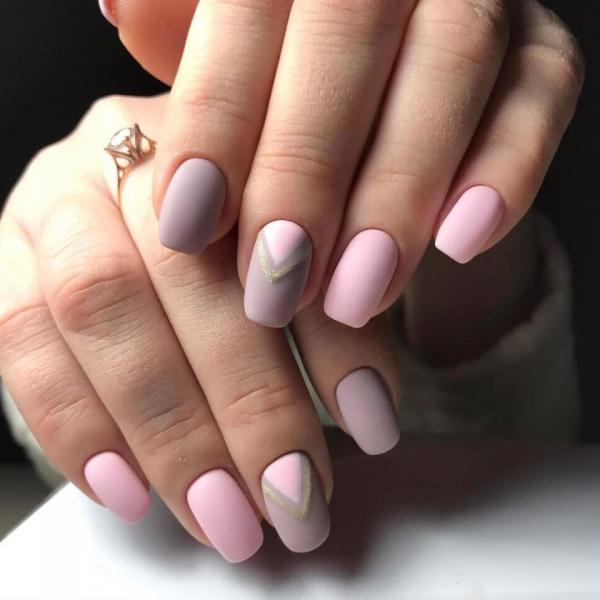 Маникюр розовый ньюдовый