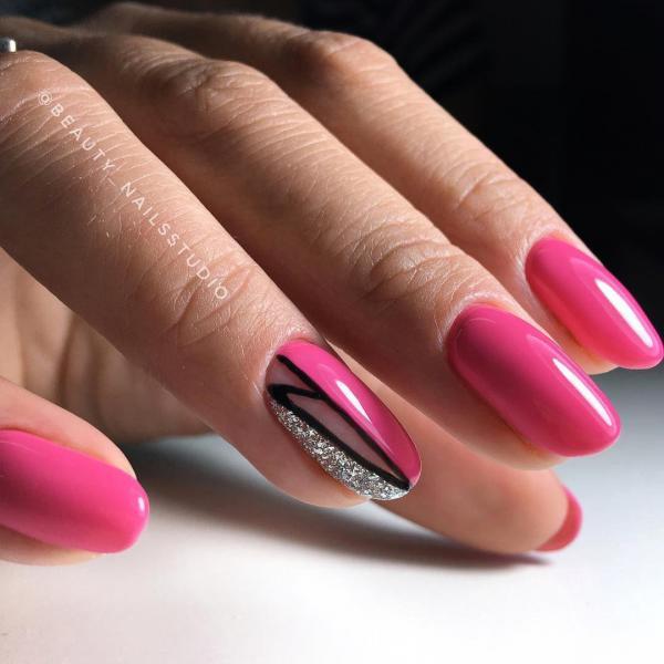 Оригинальный розовый маникюр