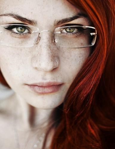 Светло-коричневые тени для зеленых глаз