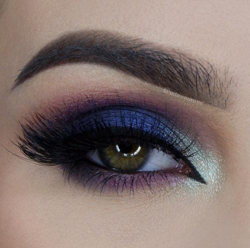 Смоки в фиолетовых тонах для зеленых глаз