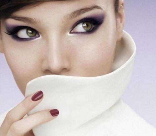 Фиолетовый макияж для зелёных глаз
