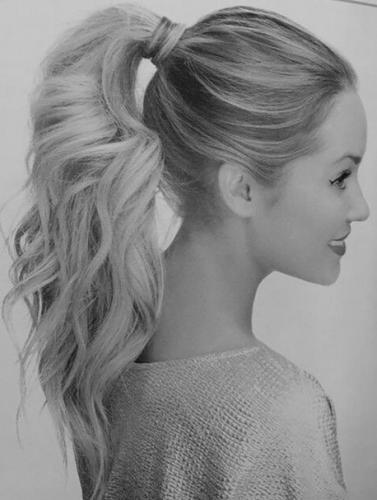высокий хвост прическа на закрученые волосы