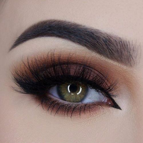 Макияж для глубоких глаз зеленого цвета