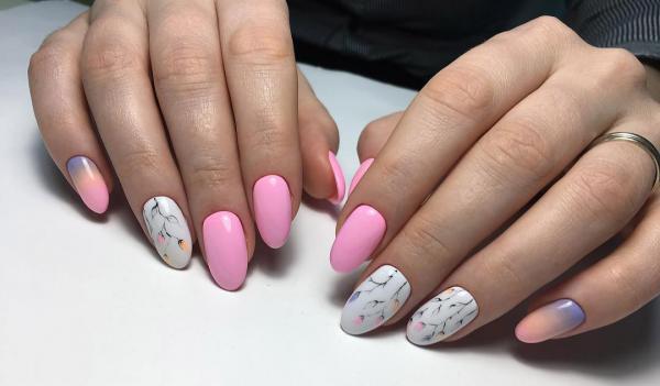 розовый маникюр с градиентом