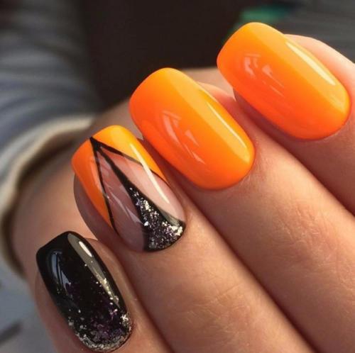Оранжевый лак на ногтях