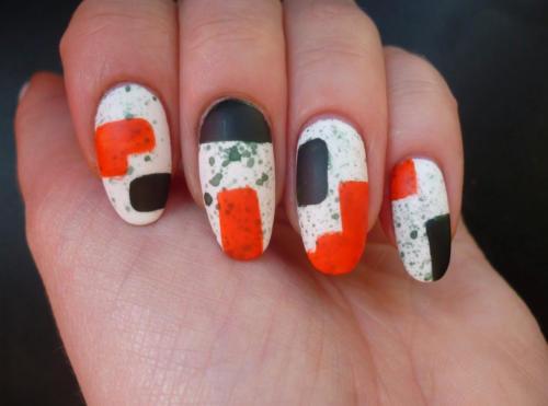 Сочетание оранжевого, белого и коричневого