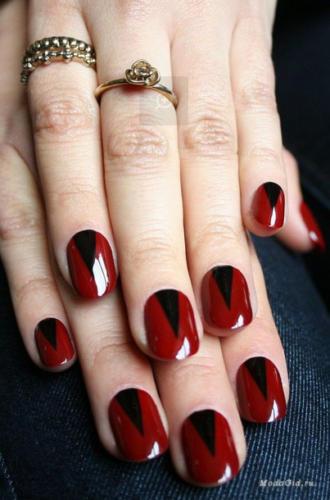 Красный лак в сочетании с черным