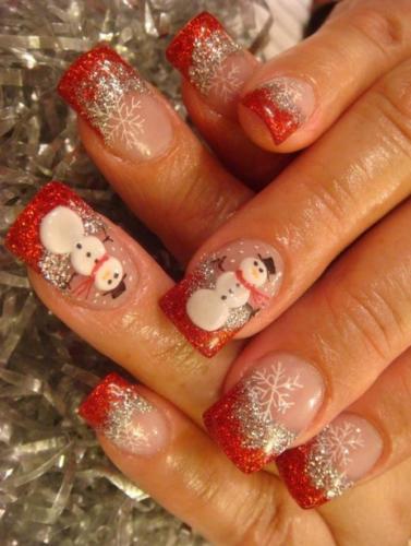Снеговики на красных ногтях