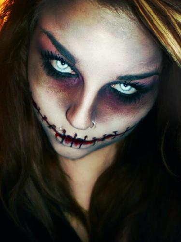 Scary-Costume-Makeup-2