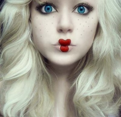halloween-makeup-doll-face