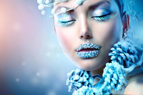 winter-beauty-woman-christmas-girl-makeup-35326125